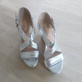 Head Over Heels by Dune heels