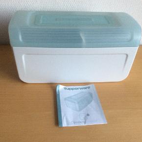 BreadSmart Junior  Demomodel med udtageligt skillerum.  L 32 cm, B 16,5 cm og H 15,3 cm