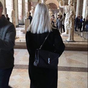"""Sælger min Yves Saint Laurent taske i modellen """"COLLEGE LARGE IN MATELASSÉ LEATHER"""", da jeg ikke får den brugt længere. Ny pris var 15000kr, og er købt på Yves Saint Laurents hjemmeside.   Alt medfølger (kasse, dustbag, kvitteringer m.m.)  BYD"""