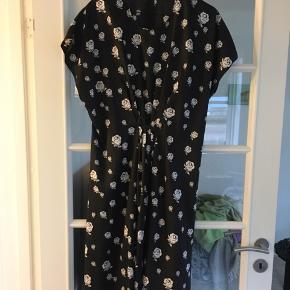 Smuk kjole , stor str 40