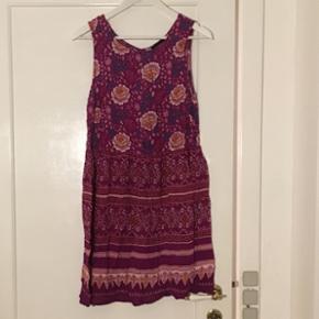 Kjole fra Minkpink i str. L. Aldrig brugt.