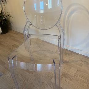 6 transparente stole, pris er for dem alle sammen!