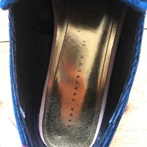 Super smukke Zara loafers i grøn/blå velour 🌸