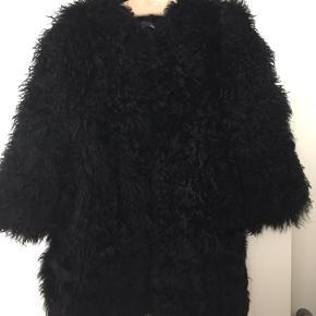 Super lækker Meotine pels sælges. Er sat som brugt men god - fremstår super fin og ser helt ny ud 🧡