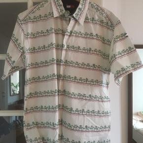 Vintage Tommy Hilfiger skjorte  Kom med et bud eller check resten af mine annoncer - jeg giver mængderabat 😊
