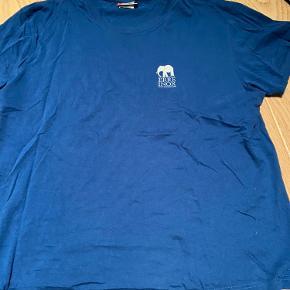 Clinique t-shirt