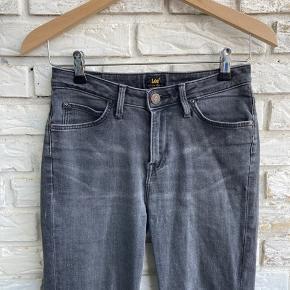 Lee jeans. Brugt få gange.  W27, L31. Model: Scarlet High.   #secondchancesummer