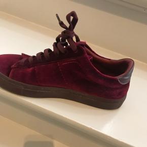 Dondup rød velour sneakers. Brugt få gange