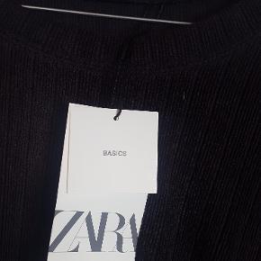 gråsort bluse fra zara str large, med tags