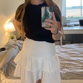 Carin nederdel i hvid Brugt få gange Nypris: