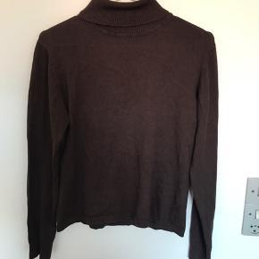 Blødeste rullekravstrøje i brun, så behagelig at have på.  #30dayssaleout