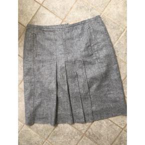 Lækker nederdel fra Danske Susanne Rützou. Str 42