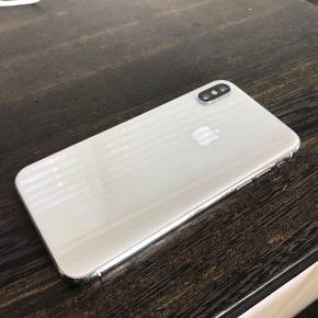 iPhone x 64GB  1år gammel  Rigtig god stand (har almindelig brugs ridser)
