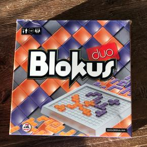 Sælger dette Blokusspil. Pakken er meget slidt, men selve spillet fejler ingenting.