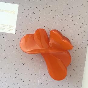 Fint stort hårspænde i orange