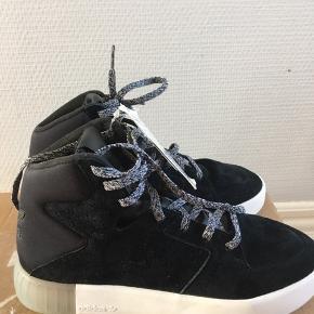 Lækreste høje sneakers, helt nye.