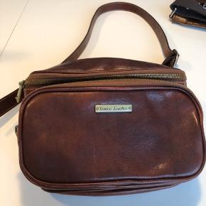 Super dejlig bæltetaske i lækkert italiensk læder købt i Venedig for et halvt år siden