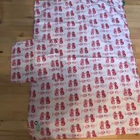 Junior sengetøj 100 x 140 mærket er Silly U.