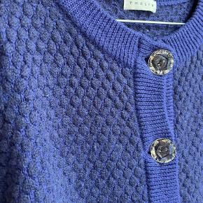 Thelin sweater