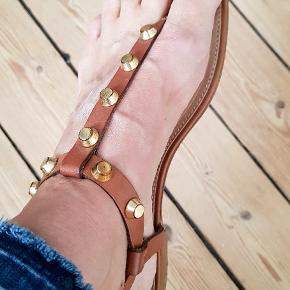 Fin Nome sandal. Brugt få gange. Helst handel via Mobilepay👍