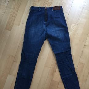 Acne Skin Great jeans i str. 29/32. Afhentes på Amager eller sendes for 60 kr.