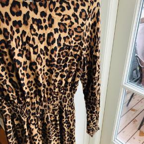 Fin maxi leopardkjole fra H&M✨👌🏻