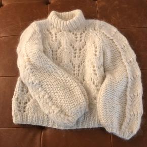 The Julliard Mohair sweater. Kun brugt få gange. Aldrig vasket. Nypris 2.999 kr!