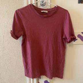 Basic pieces t-shirt Fejler intet men sælge da jeg ikke bruger den længere