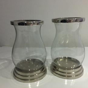 Så fine lanterner fra Lene Bjerre, 21 cm høje. Nypris 299 pr stk.   Fejler intet, som nye.