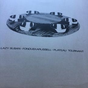 Stelton fondue karrusel , kan også bruges til tapas- skåle kan tages af. Fejler intet Kan evt afhentes i Viby J eller Aarhus C