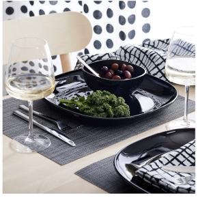 IKEA rødvinsglas i klar glas  Størrelse: 58 cl  Pris: 100 kr   Der sælges 6 stks prisen er samlet!  De skal afhentes på min adresse i Søborg   3 glas er brugt 1 gang de andre er aldrig brugt   JEG BYTTER IKKE