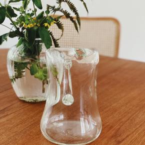 K A N D E 🧊 Super fin glaskande, lige til vand i varmen eller blomster 🌿 uden skår, lidt mærker (se foto)   Sender gerne 📦