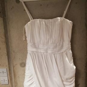 Hvid kjole fra H&M i str. S
