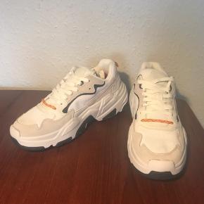 Herre sneakers købt over Asos. Sælges, da min kæreste ikke kan passe dem. Aldrig brugt.