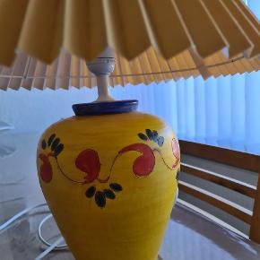 Fin lampe sælges. Ses og købes I Kolding.  Byd ! :)