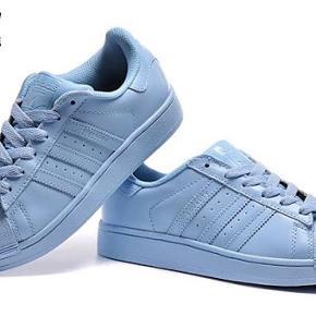 Fede Adidas sko. Str. 37,5 God stand.    Nike, New balance, acne, weekday, Ganni, stussy, ASOS, zara, arket, cos, NAKED, støy