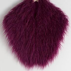 Faux fur boa/halstørklæde.  Aldrig brugt! Mærke sidder stadig på.
