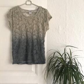 Shirt standen køb, salg og brugt lige her | Se mere her