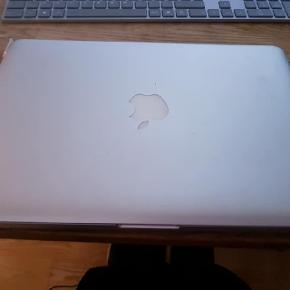 Sælger min Macbook pro, bruger den ikke
