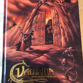 Valhalla den samlede saga 2 af Peter Madsen & Henning Kure Til Udgård – og hjem Valhalla-seriens version af de nordiske myter er blevet det første møde med den nordiske mytologi for mange mennesker i Norden. Det skyldes ikke mindst, at tegneserien blev filmatiseret med stor publikumssucces. I dette bind bringes blandt andet en mængde hidtil upublicerede forstudier til filmen og tegneserien og en tegneserie om at lave tegnefilm. Indb, kan sendes m DAO for 45 kr oveni til nærmeste udleveringssted