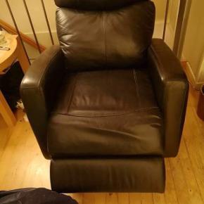 2 Dejlige elektriske læder stole ( læder over alt ) sælges pga. flytning. Pris for begge stole sælges samlet 2000 kr.  BYD NU  DE SKAL VÆK   De skal væk inden d. 1-11-18  Giv et godt bud