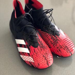 Adidas predator 20.1 str 44 Brugt 2 gange á 15 min. Fremstår som nye. Nypris 1700kr