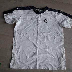 Lækker t-shirt. God kvalitet.