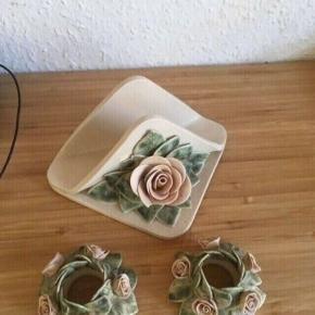 Keramik Servietholder og lysestager -fast pris -køb 4 annoncer og den billigste er gratis - kan afhentes på Mimersgade 111 - sender gerne hvis du betaler Porto - mødes ikke andre steder  - bytter ikke