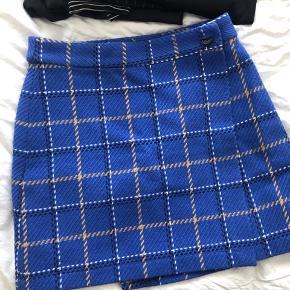 Rigtig fin Envii nederdel! Sælges da den ikke bliver brugt! Kan også passes af en lille small :)
