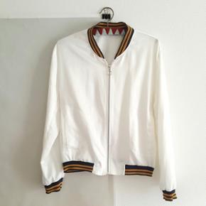 M/L white/cream sporty jacket