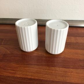 Fine salt og pepper shaker fra Lyngby. Aldrig brugt - de har bare ligget i en skuffe :-)