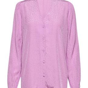 Ubrugt smuk lilla skjorte fra Modström. Np.600kr. Kom med et bud. Sender gerne billeder.