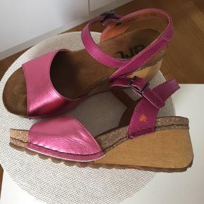 Art, Borne, super behagelig sko, men sælges da jeg ikke får dem brugt.