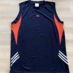 Adidas blå sportstop str XXL. Sendes for 37 kr